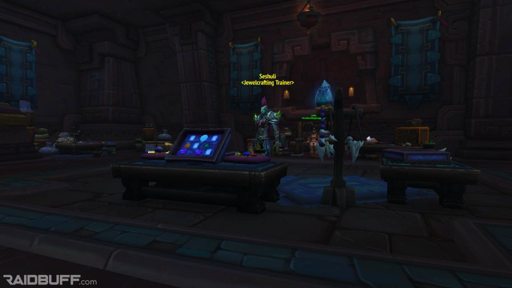 An image of Seshuli, the Zandalari Jewelcrafting Trainer within the Hall of Glimmers in Dazar'alor